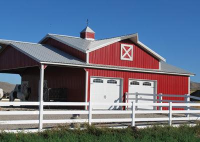 Barn using Grandrib 3 Plus in White and Brite Red