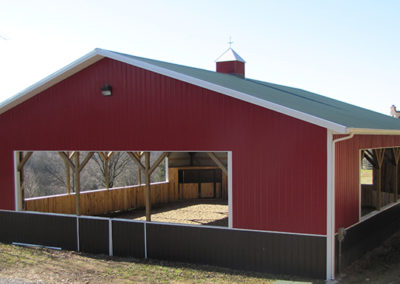 Stable using Grandrib 3 in Bright Red